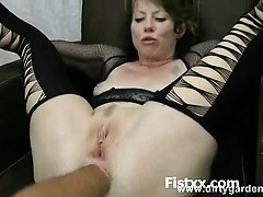 Fist Penetration And Fetish Porn For Kinky Bitch