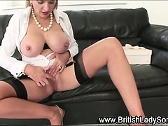 busty-brit-lady-sonia-gets-herself-off