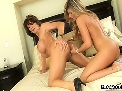 milf-lesbo-action-with-deauxma-and-kristal-summers