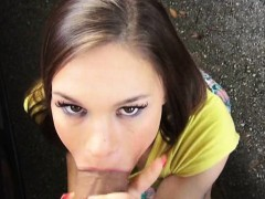 amateur-teen-london-smith-gives-head-and-nailed-in-the-car