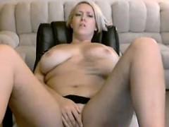 sexy-chubby-blonde-masturbation-webcam