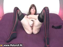 sexy-mature-with-loves-playing-with-her-part4