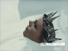 celeb-charlize-theron-skimpy-in-new-snow-white-movie