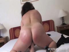 mature-whore-fingering-pussy