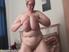 busty-fat-mature-babe-shaking-her-huge-part4