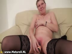 older-housewive-is-licking-big-part4